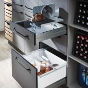 Küchenauswahl: versenkbare Brotschneidemaschine